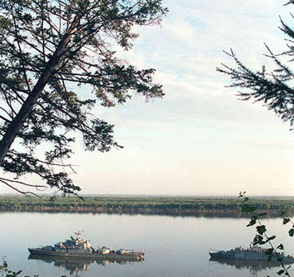 Пограничные корабли на реке Амур