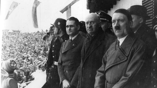 Рудольф Гесс, Анри де Байе-Латур и Адольф Гитлер