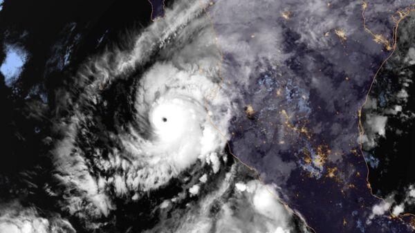Ураган Уилла в Тихом океане. 22 октября 2018