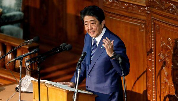 Премьер-министр Японии Синдзо Абэ выступает с программной речью в парламенте. 24 октября 2018