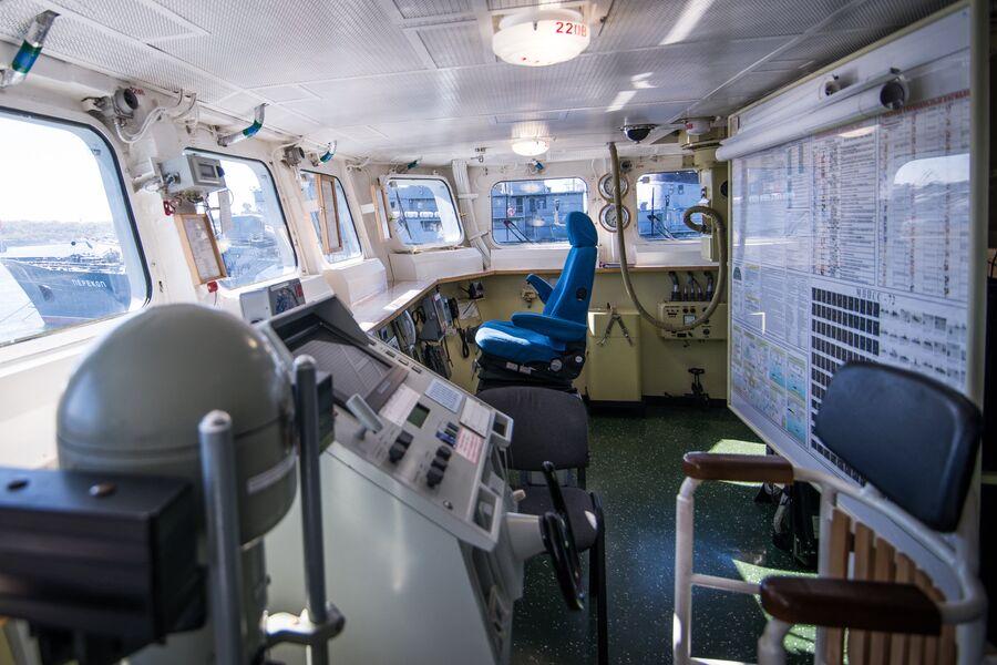 Командирское кресло на ходовом мостике фрегата Адмирал Макаров