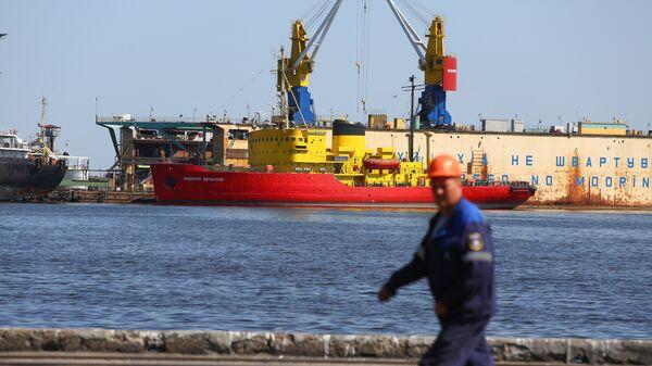 Порт Мариуполя. Архивное фото