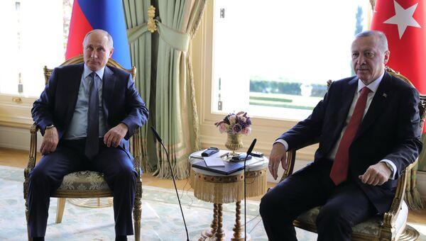 Владимир Путин и президент Турции Реджеп Тайип Эрдоган. Архивное фото