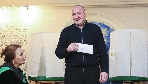Президент Грузии Георгий Маргвелашвили на выборах президента Грузии на избирательном участке в Тбилиси. 28 октября 2018