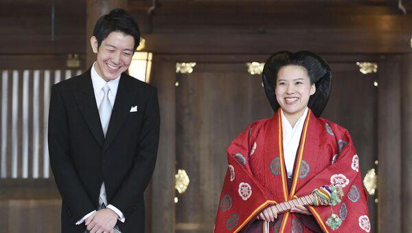 Принцесса Японии Аяко и ее муж Кей Мория после их свадебной церемонии в храме Мэйдзи в Токио, Япония. 29 октября 2018