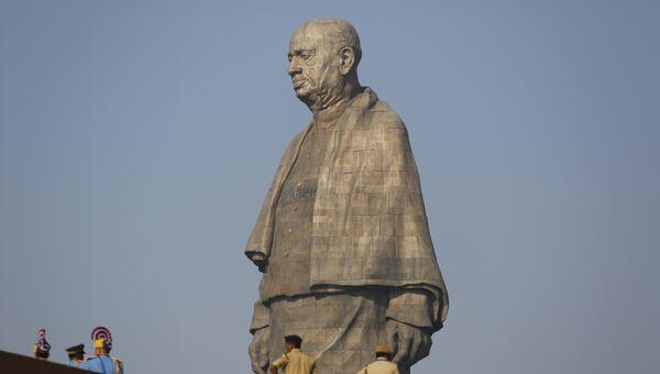 Самый высокий памятник в мире — статуя Единства в западном индийском штате Гуджарат