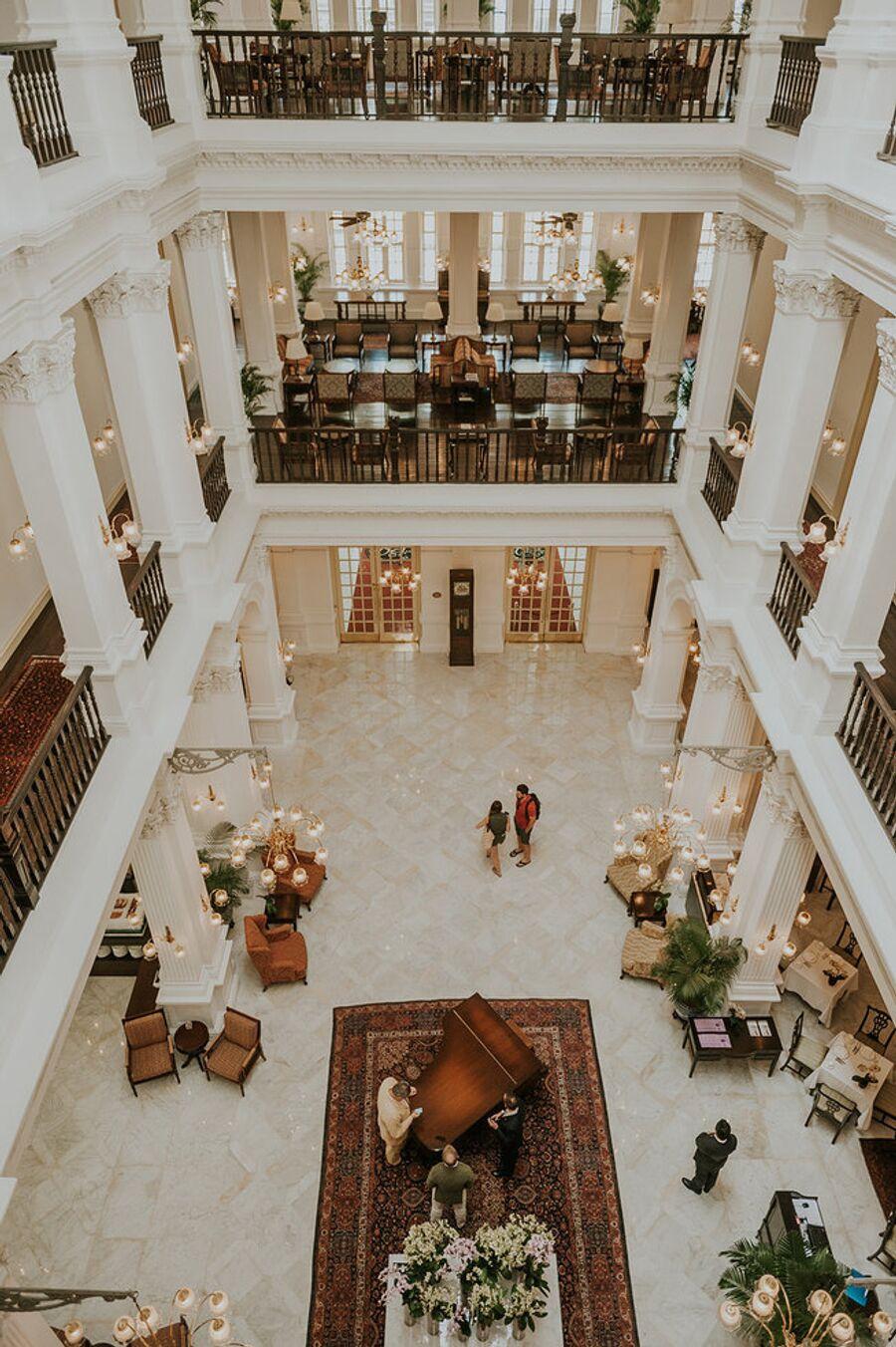 Общественное пространство, отель Raffles Singapore