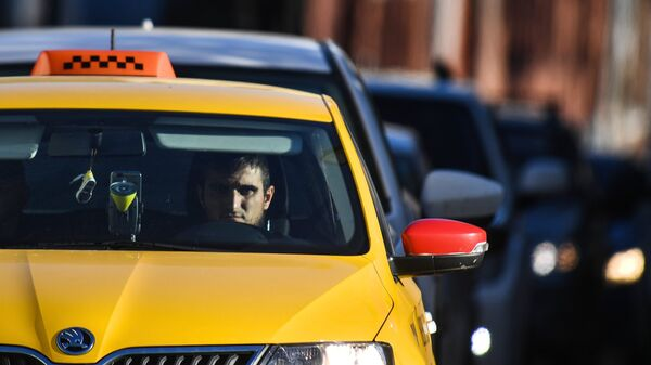 Водитель такси. Архивное фото