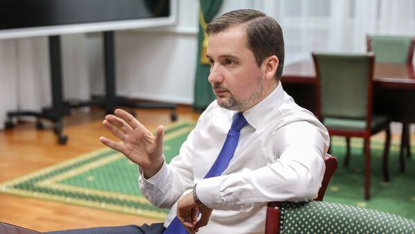 Губернатор Ненецкого автономного округа Александр Цыбульский во время интервью