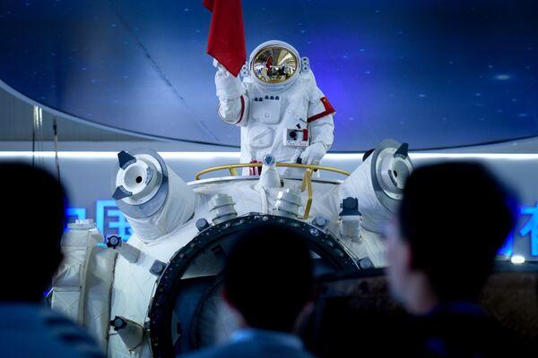 Костюм астронавта на Чжухайском авиасалоне