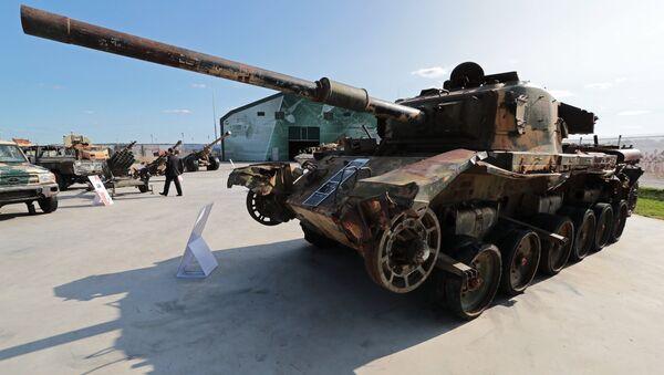 Танк Центурион, представленный на выставке оружия, захваченного у боевиков в Сирии, в рамках форума Армия-2018
