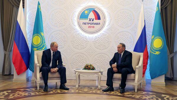 Президент РФ Владимир Путин и президент Казахстана Нурсултан Назарбаев во время встречи. 9 ноября 2018