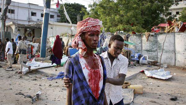 Раненый в результате взрыва бомбы в Могадишо, Сомали