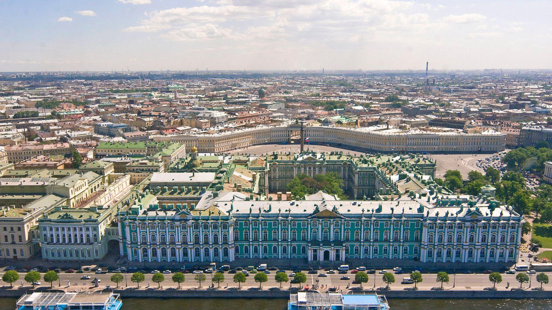 Вид на Зимний дворец и Дворцовую площадь - РИА Новости, 1920, 03.11.2020