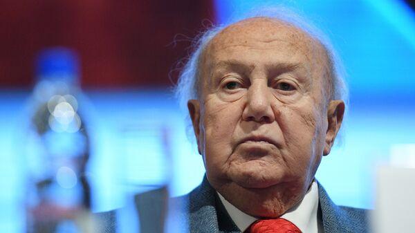 Президент Российской академии художеств, академик РАХ Зураб Церетели