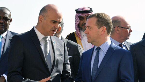 Дмитрий Медведев и президент Швейцарии Ален Берсе на международной конференции по Ливии в Палермо. 13 ноября 2018