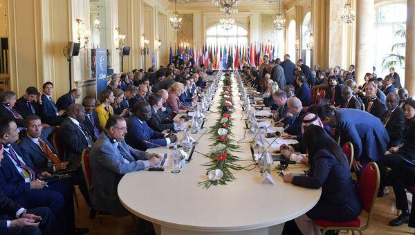 Дмитрий Медведев на пленарном заседании международной конференции по Ливии в Палермо. 13 ноября 2018