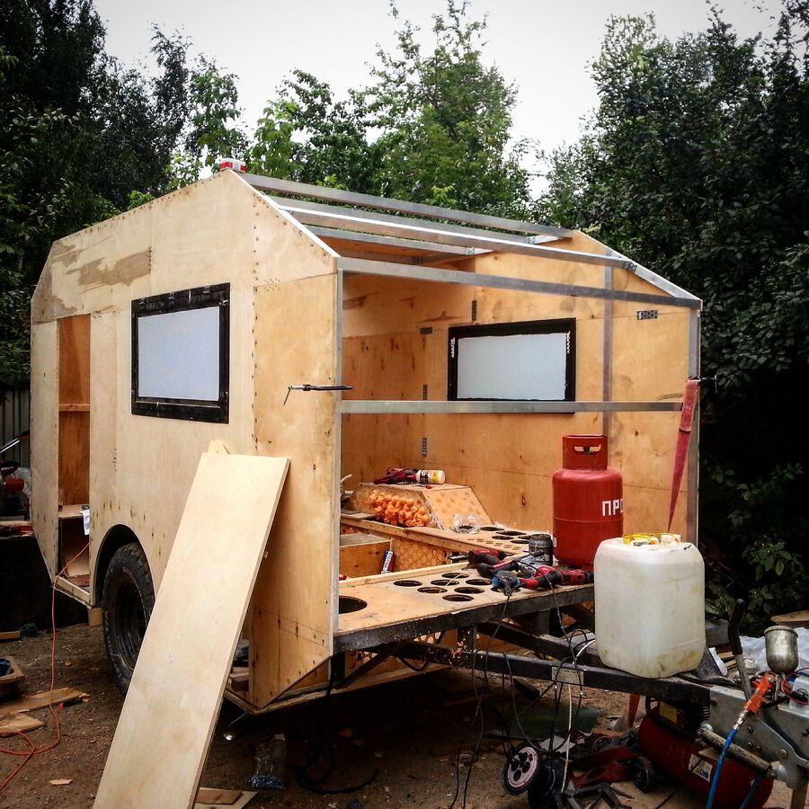 Этап строительства дома на колесах