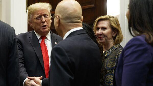 Заместитель советника президента США по национальной безопасности Мира Рикардел на встрече в Белом доме. 13 ноября 2018