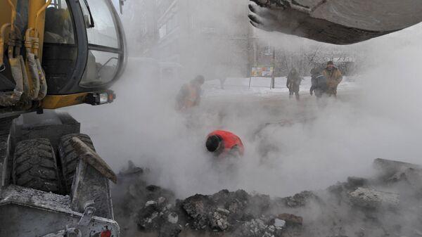 Авария на теплотрассе в Екатеринбурге