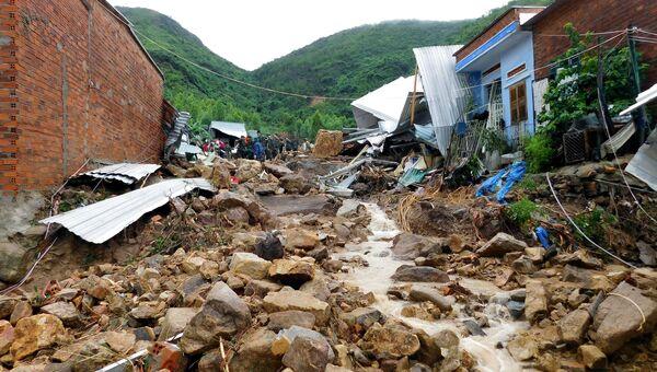 Последствия тайфуна Тораджи во Вьетнаме. Архивное фото