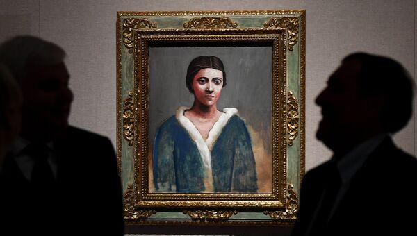Картина Портрет Ольги в меховом воротнике (1922-1923 гг.) художника П. Пикассо на выставке Пикассо & Хохлова