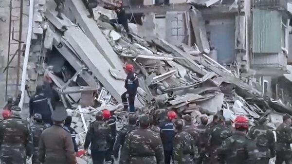 Последствия взрыва в жилом доме в азербайджанской Гяндже. 20 ноября 2018