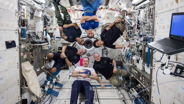 Экипаж МКС-54