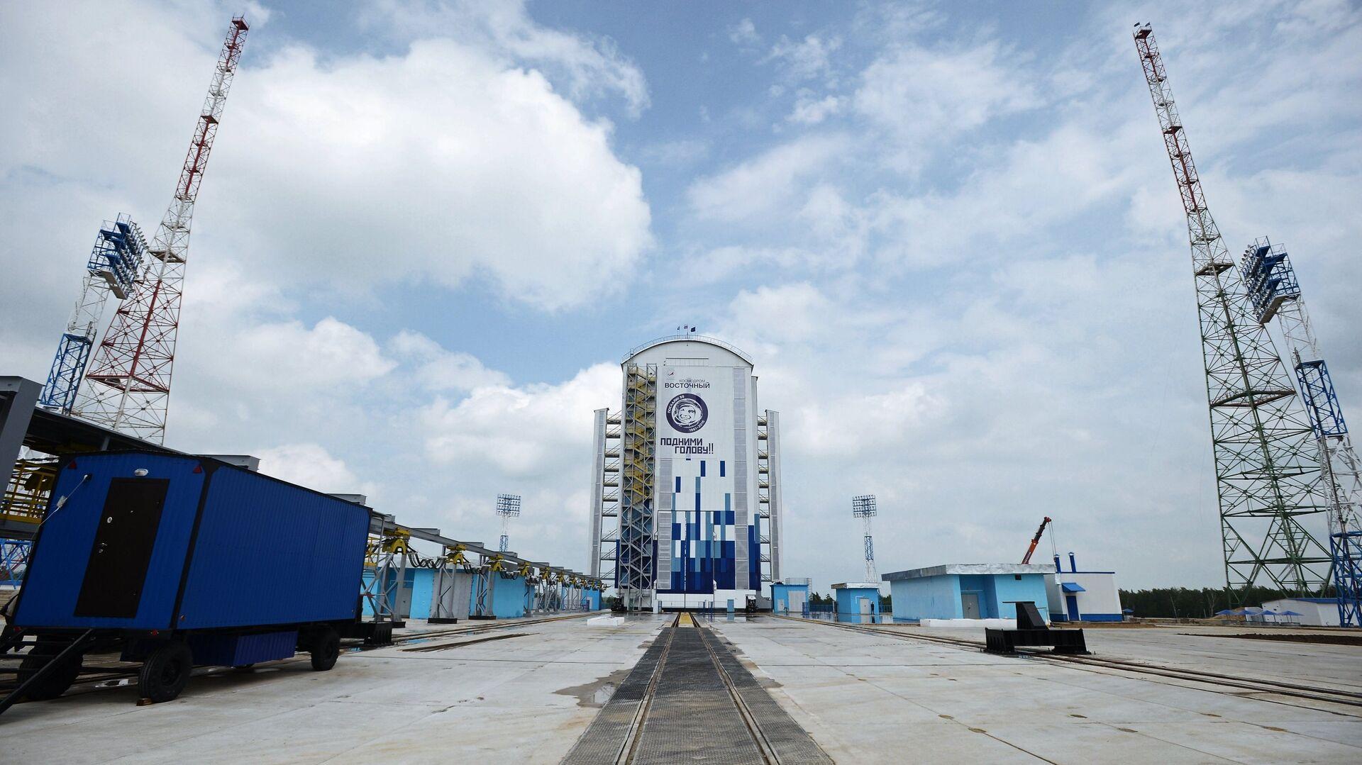На космодром Восточный доставили для запуска британские спутники связи
