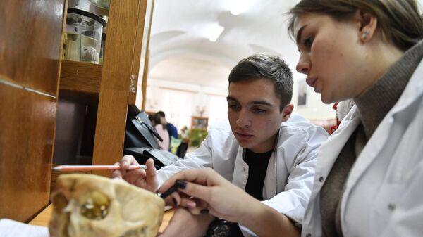 Занятия на кафедре патанатомии Медицинской академии имени Георгиевского в Симферополе