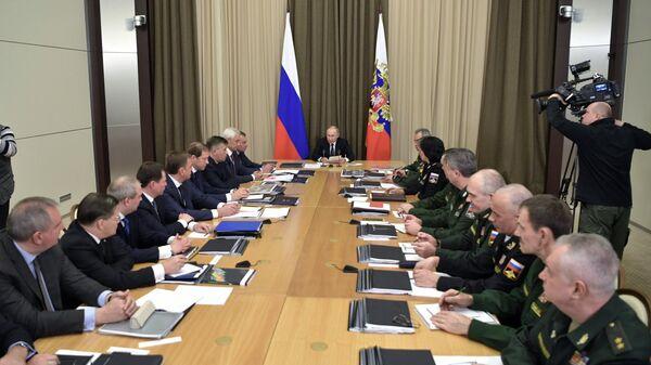 Президент РФ Владимир Путин проводит совещание с руководством Минобороны РФ. 21 ноября 2018