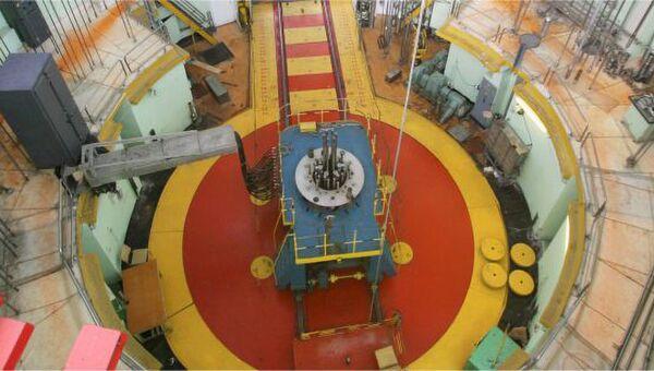 Многопетлевой исследовательский реактор МИР.М1