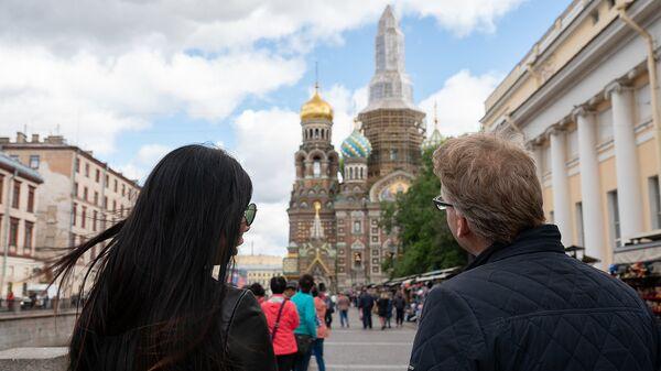 Туристы на улице, Санкт-Петербург