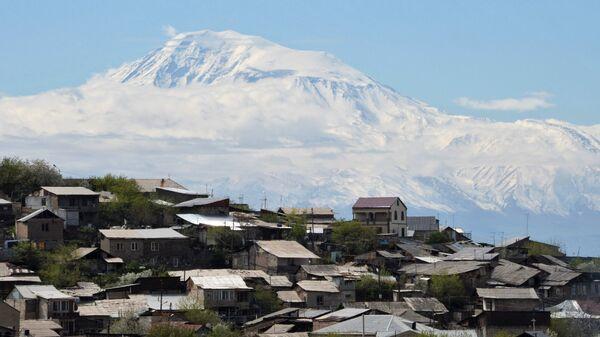 Гора Арарат со стороны Армении