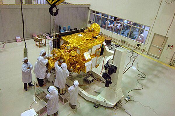 Подготовка к запуску индийского космического зонда Чандраян-1