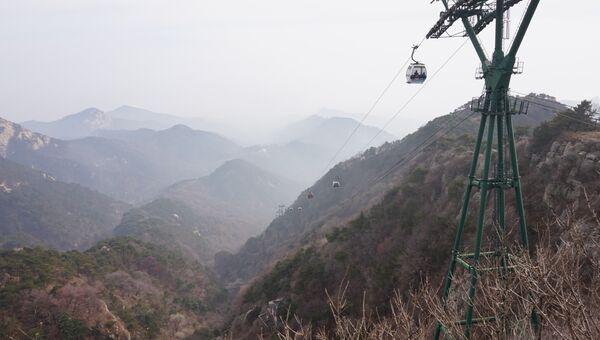 Фуникулер на горе Тайшань в провинции Шаньдун в Китае