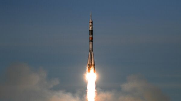 Ракета-носитель Союз-ФГ с пилотируемым кораблем Союз МС-11