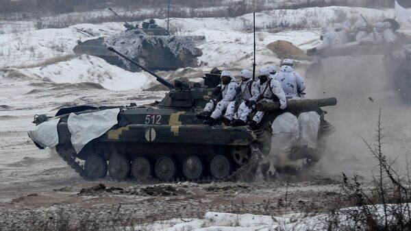 Украинские военные во время учений в Черниговской области