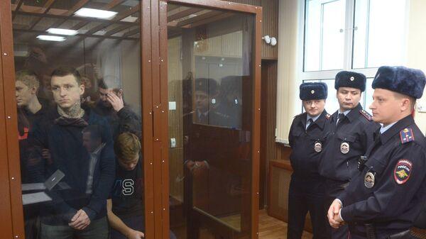 Павел Мамаев и Александр Кокорин (слева направо на первом плане)