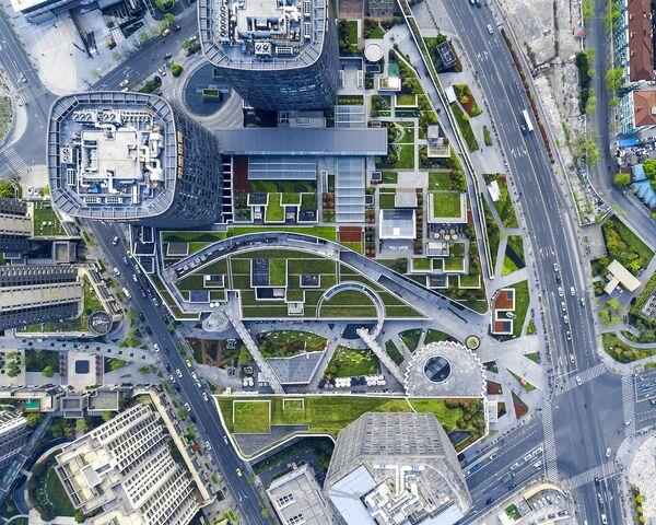 Здание Shanghai Greenland Center в Китае, победившее в категории Shopping Completed Buildings Winner на Всемирном фестивале архитектуры