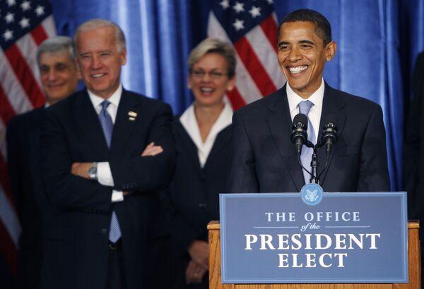 Избранный президент США Барак Обама во время своей первой пресс-конференции в Чикаго