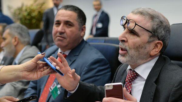 Глава ливийской нефтяной компании NOC Мустафа Санала во время интервью с журналистами перед заседанием ОПЕК в Вене. 6 декабря 2018