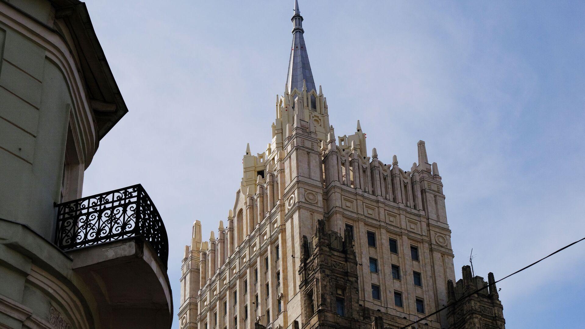 Башня здания  министерства иностранных дел РФ - РИА Новости, 1920, 21.06.2021