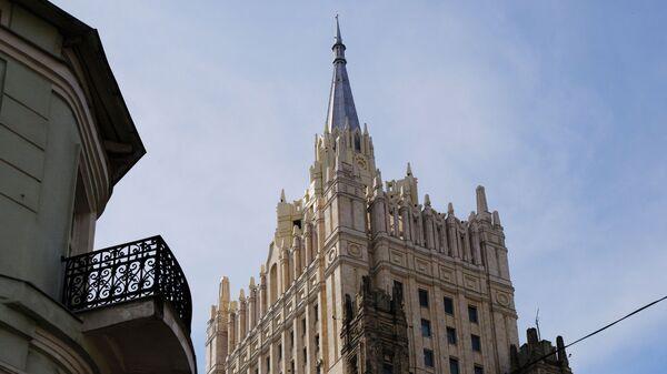 Башня здания  министерства иностранных дел РФ