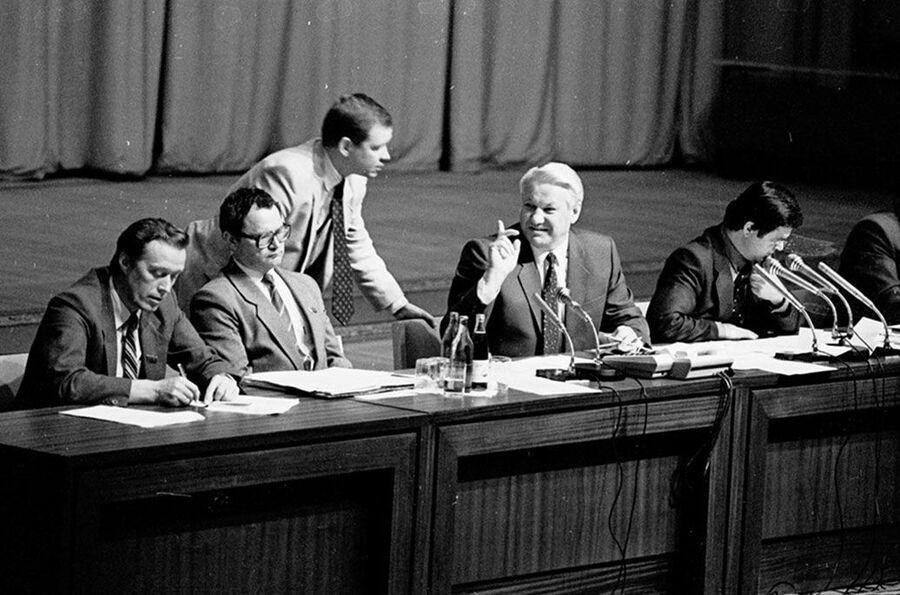 Сергей Станкевич и президент России Борис Ельцин. 22 августа 1991 года