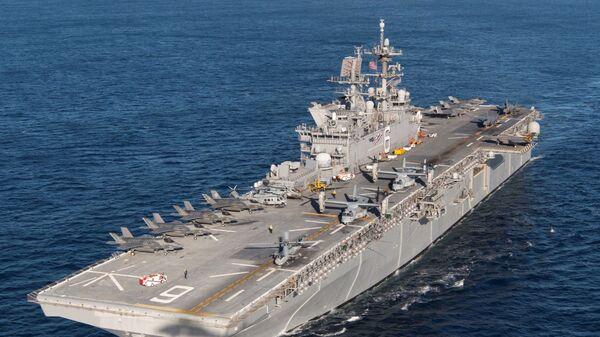 Десантный корабль USS America (LHA-6)