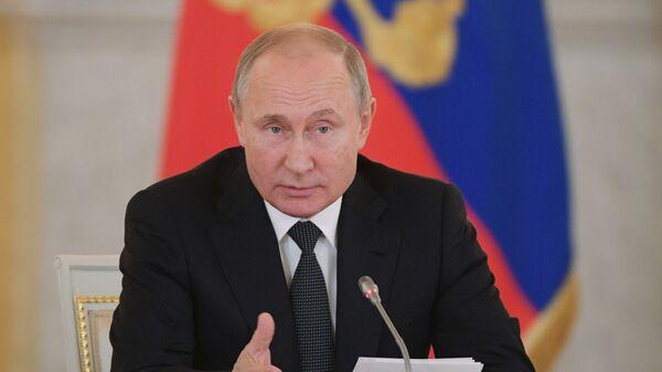 Президент РФ Владимир Путин проводит в Кремле заседание Совета по развитию гражданского общества и правам человека. 11 декабря 2018