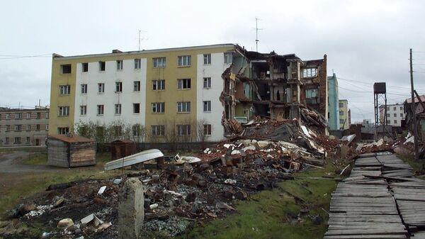 Последствия таяния вечной мерзлоты в поселке Черский на Колыме