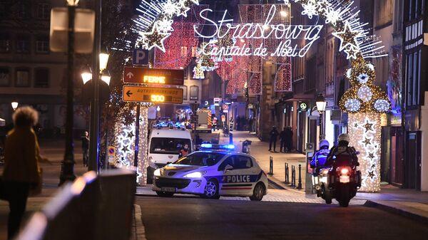 Полиция на рождественской ярмарке после стрельбы в Страсбурге