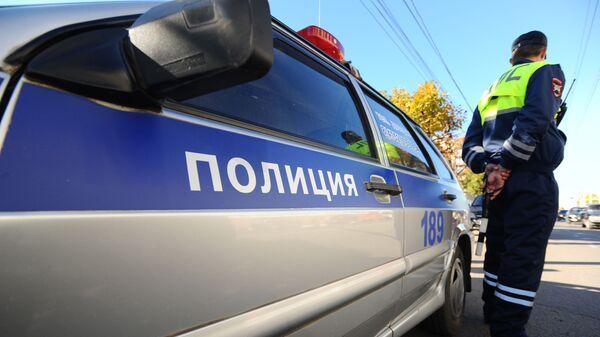 Инспектор Специального батальона ГИБДД на маршруте патрулирования.